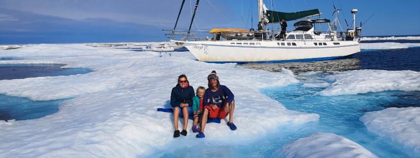 Plavba z Antarktidy do Arktidy za rok a půl
