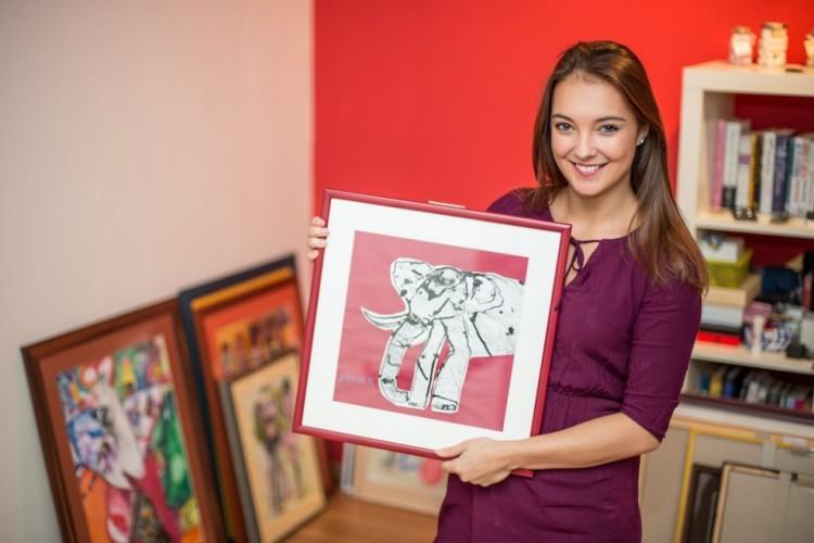 Odpočinu si o Vánocích, teď jsou důležitější věci, říká organizátorka Andělské aukce Barbora Povišerová